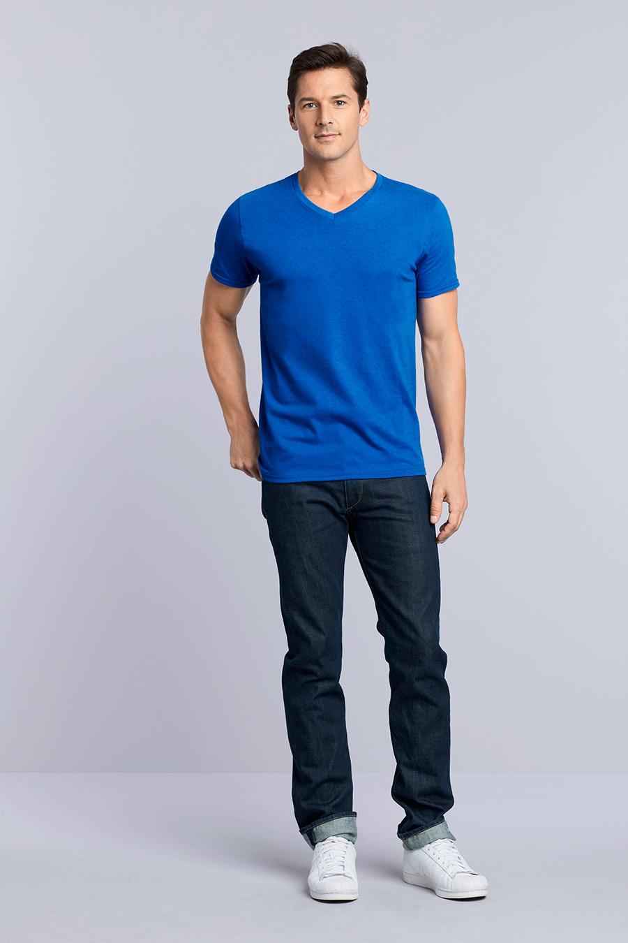 108.09 Gildan Mens Softstyle V-Neck T-Shirt 64V00