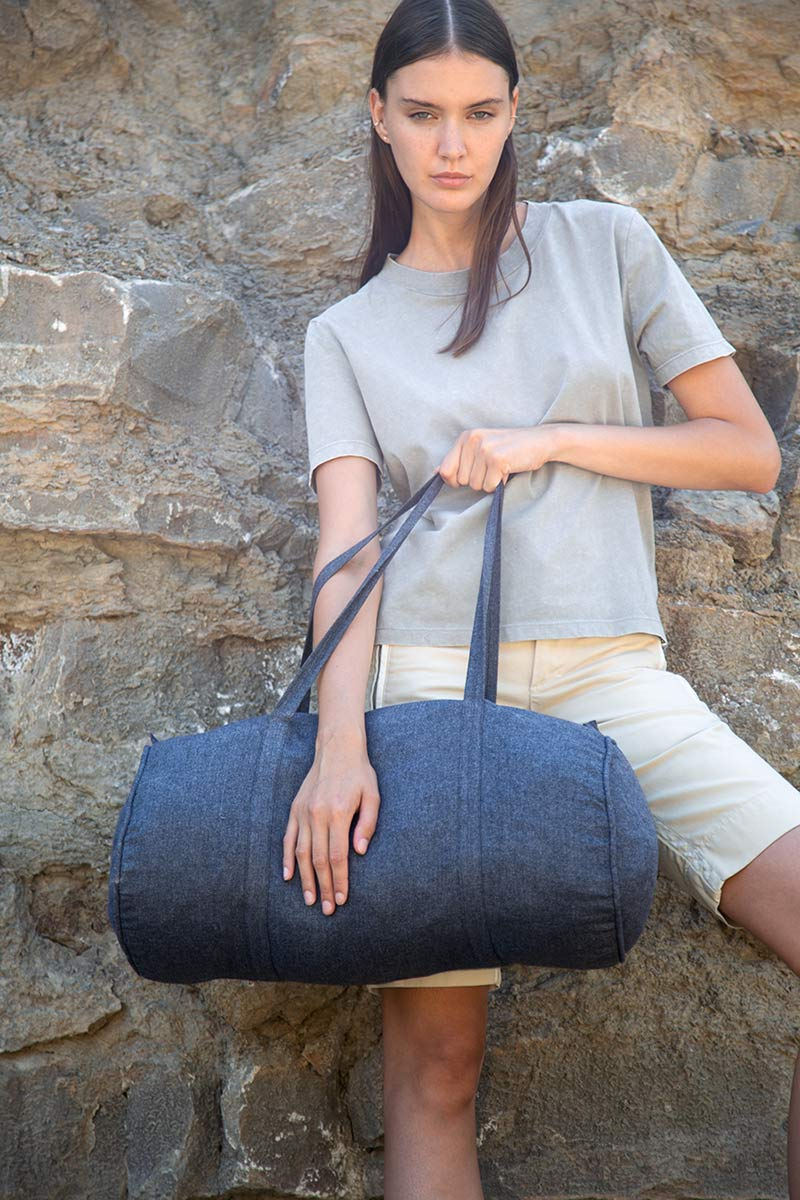 KI5602 Hand-Woven Duffel Bag
